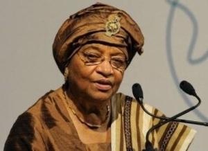 Ellen Johnson Sirleaf, première femme élue présidente en Afrique au Libéria, est récompensée du prix Nobeld e la Paix 2011