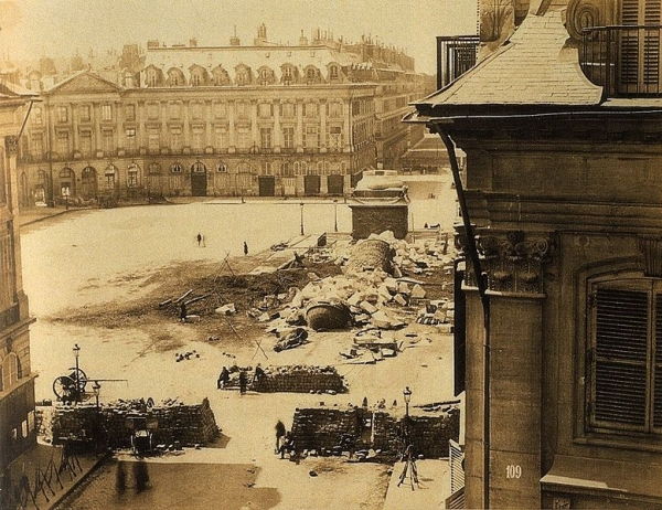 Napoléon à terre, chute de la colonne Vendôme, Commune de Paris