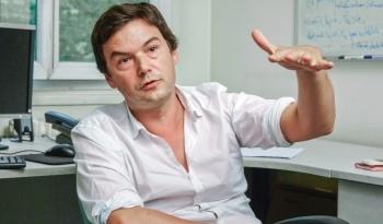 Thomas Piketty dans son bureau