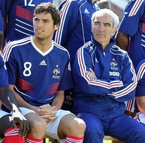 Yoann Gourcuff et Raymond Domenech à la Coupe du monde en Afrique  du Sud, 2010