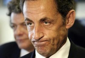 Nicolas Sarkozy envisage de renoncer à l'élection présidentielle