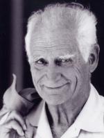 Michel Serres, est un philosophe, historien des sciences et homme de lettres français.